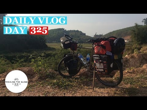 Daily Vlog - Trip Diary - Day 325 - Thailand To Laos. Cycling Thailand