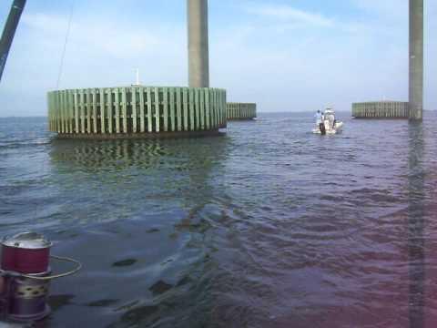 Tarpon fishing skyway bridge youtube for Skyway bridge fishing report