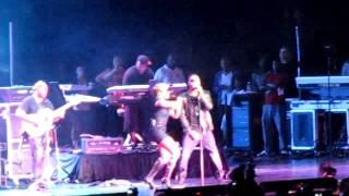 Mary J Blige w Trey Songz LIVE - HOOD LOVE.MOV