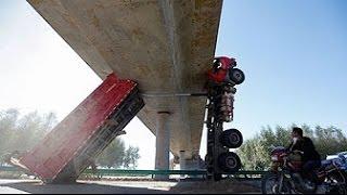 Эти парни умеют ездить! Водители грузовика-уровень БОГ! Профи своего дела!