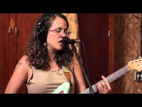 "Sallie Ford ""Dive In"" Live In-Studio"