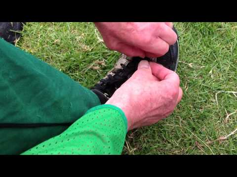 How to tie your orienteering shoe laces