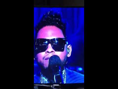 Miguel on Wendy Adorn