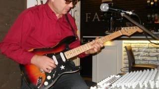 Певец - гитарист в ресторан, кафе (Кмпрмс)
