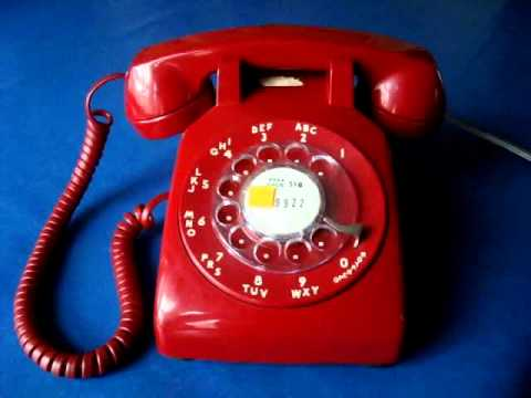 Using A Vintage Rotary Dial Telephone