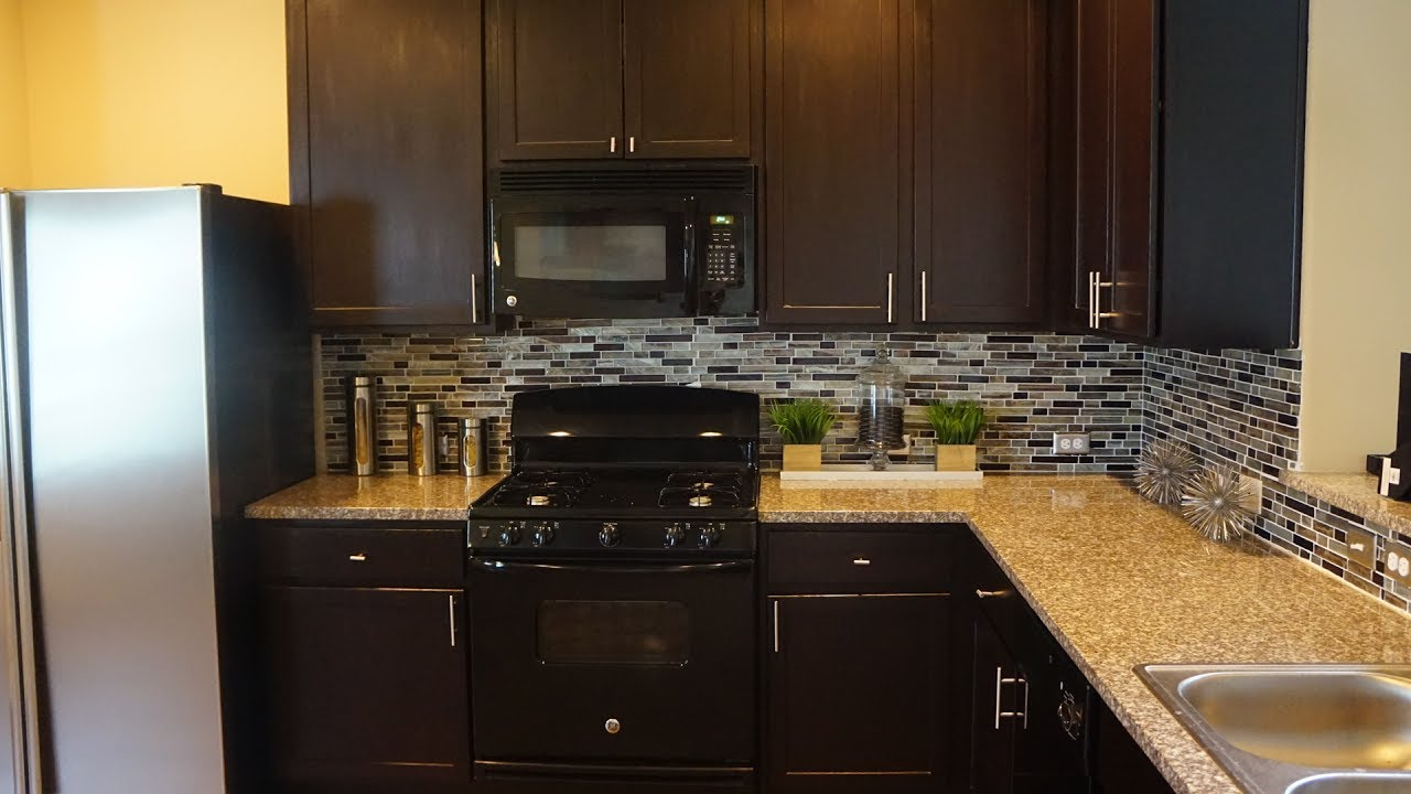 DIY: REMODEL KITCHEN| BACKSPLASH | KITCHEN CABINETS