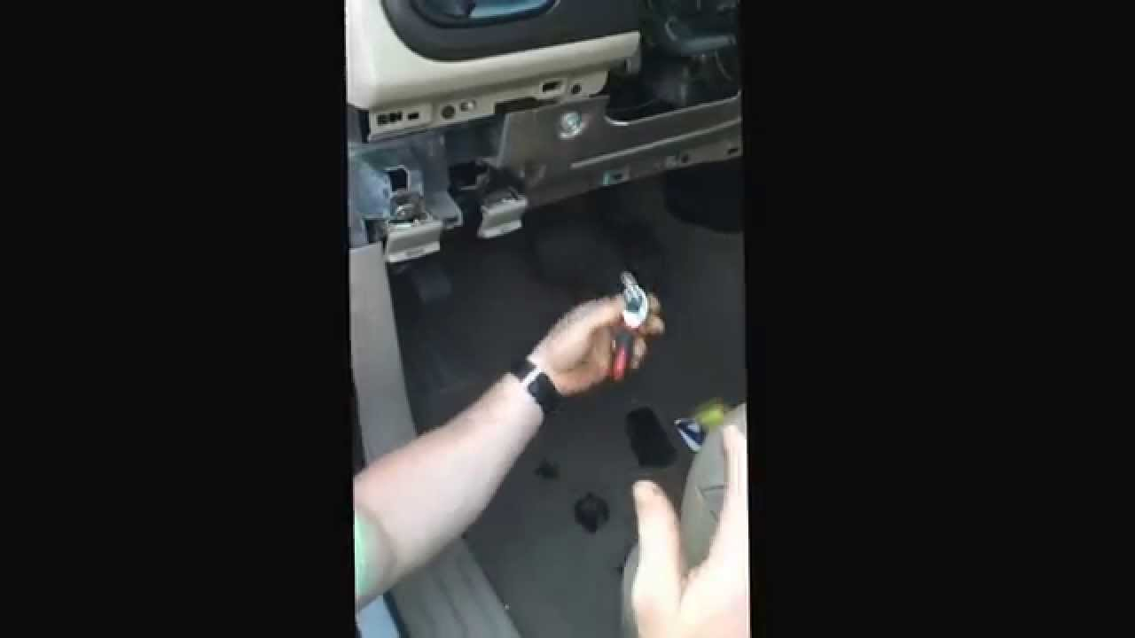 Blinker Light Flasher Change Out On 2003 Ford Expedition Youtube 2012 F250 Fuse Box Location