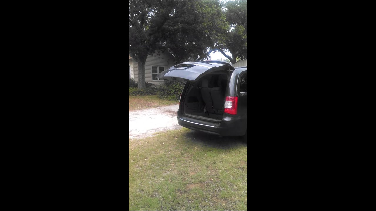 Chrysler Town Amp Country 2011 Liftgate Fail Youtube