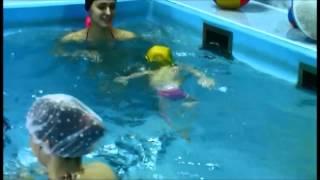 Мастер-класс по плаванию от 2-летней малышки
