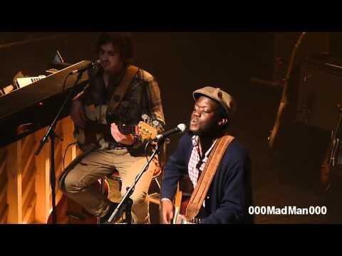 Michael Kiwanuka - Bones - HD Live at La Cigale, Paris (4 Apr 2011)
