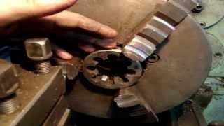 видео Нарезание резьбы на токарном станке: технология, методы, нюансы