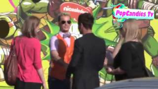 Tom Daley greets a fan at 26th Annual Kids Choice Awards in LA Thumbnail