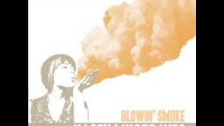 Kacey Musgraves - Blowin