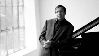 Mozart - Piano Concerto No. 23 in A major, K. 488 (Murray Perahia)