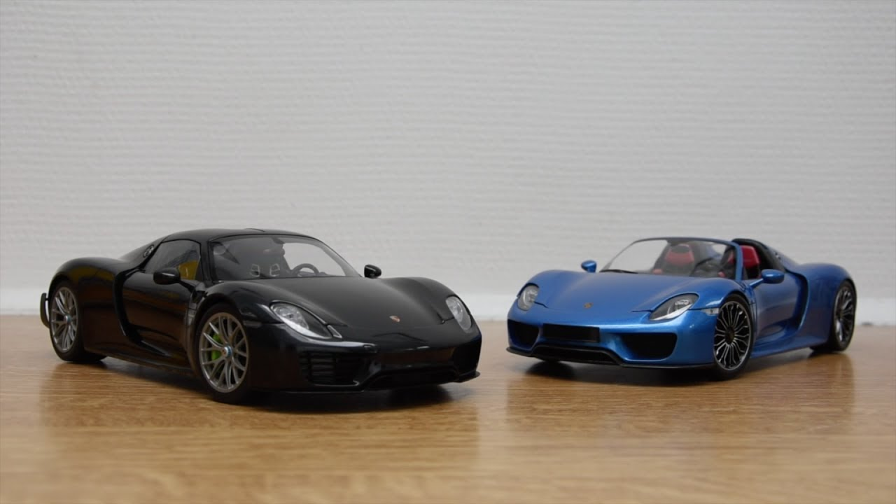 porsche 918 spyder 1 18 autoart vs minichamps youtube. Black Bedroom Furniture Sets. Home Design Ideas