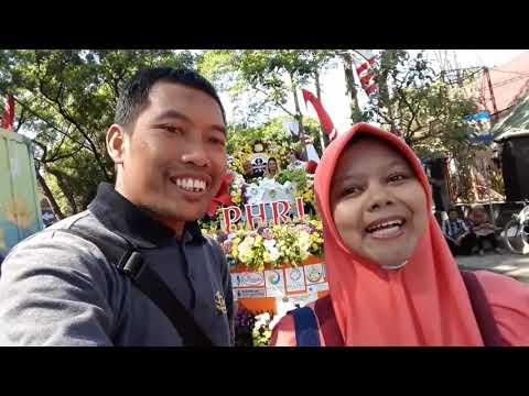 Serunya Nonton Festival Kendaraan Hias Di Balaikota Malang
