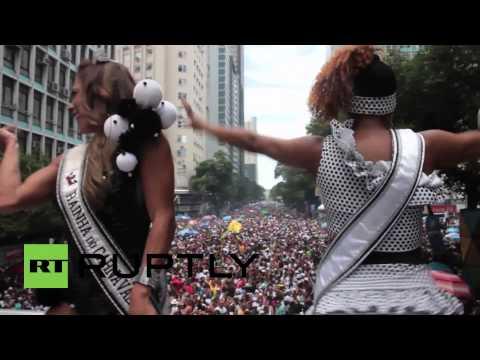 Brazil: Carnival kicks off with stunning street parade