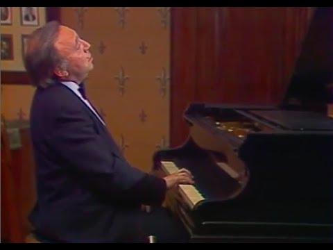 Alexei Nasedkin talks about and plays Scriabin - video 1986