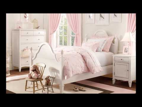 girls room in pink decor