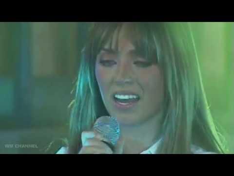 Mia llora al cantar y Miguel la consuela | Rebelde 1.a Temporada