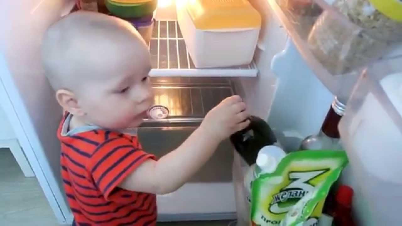 VLOG: Как одевать ребенка в жару - YouTube
