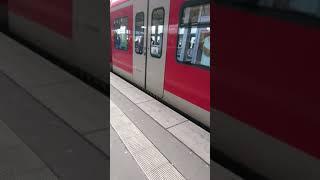 S-Bahn-Surfen mit ENRiQUE EYGENTHOR