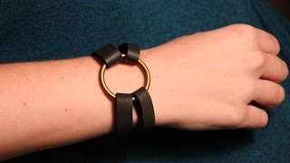 Leather bracelet with brass ring and hitch fastener DIY