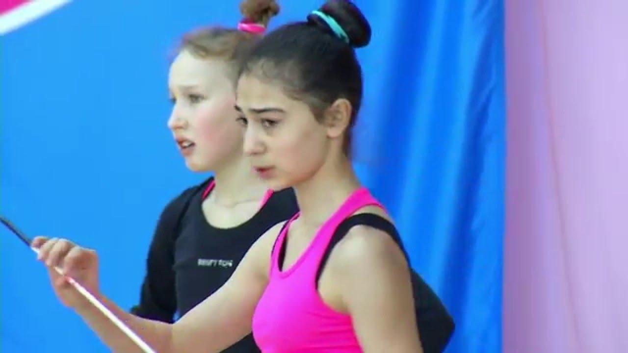 Скрытая камера как занимаются гимнастки