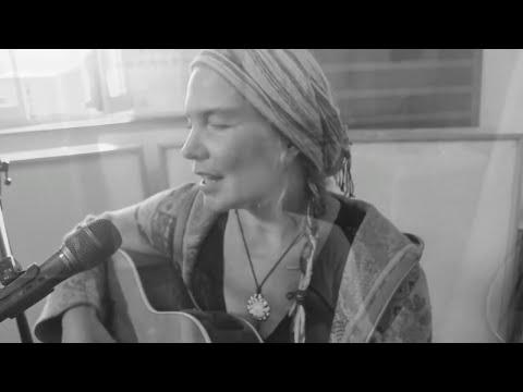 Sylvia Kirchherr with Archer & Tripp - Pajarito (Handpan, Surdo, Guitar & Vocals)