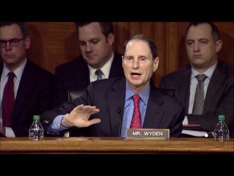 Wyden presses Pompeo on proposal create sprawling database of Americans' personal information