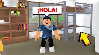 JOGANDO ROBLOX BLOXBURG em espanhol!