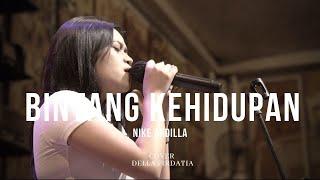 Download Lagu Bintang Kehidupan - Nike Ardila Live Della Firdatia mp3