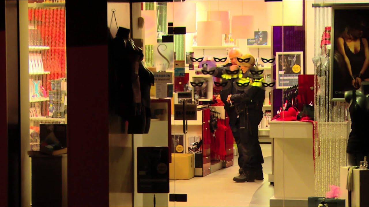 Man Met Hakbijl Overvalt Christine Le Duc Apeldoorn 16 02 2015