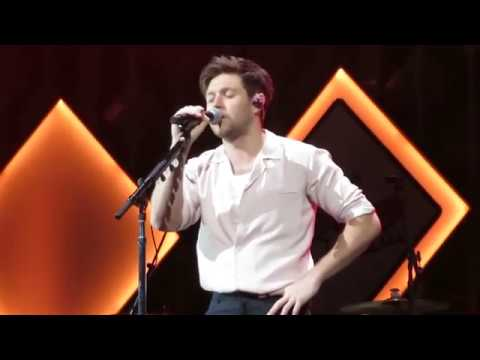 Niall Horan - Live - Put A Little Love On Me
