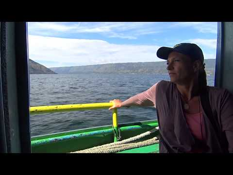 How to get to Samosir Island on Lake Toba - A fantastic boat ride you shouldn't miss