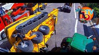 BRUDER TRUCK Crash Cat Excavator !