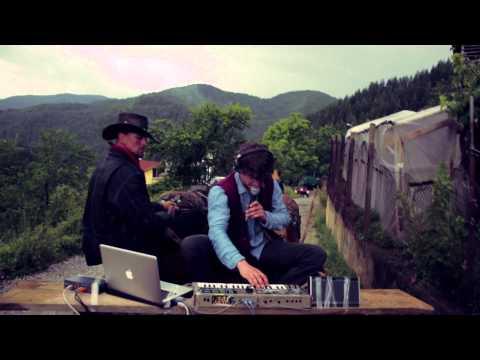 Cosmo Sheldrake - Solar (Live On The Trap)