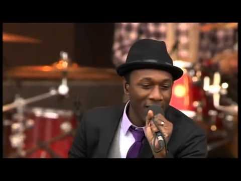 Aloe Blacc (Avicii) - Wake Me Up - live - HD