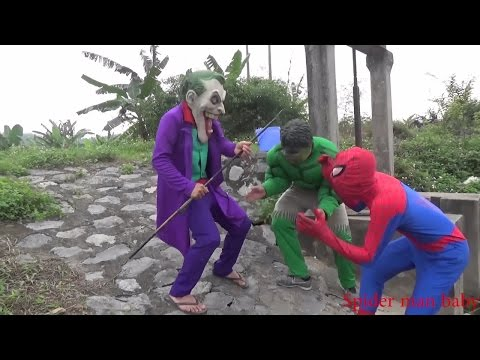 Spiderman and Hulk and Joker Fishing and Spiderman flying a kite Cosplay