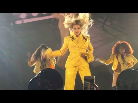 BEYONCÉ LOOKS RIGHT AT ME! OCT 7, 2016