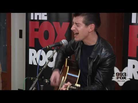 Arctic Monkeys - No. 1 Party Anthem (Fox Uninvited Guest)