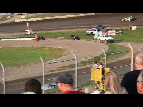 Heat race @ Eagle Raceway #25! Modified Trevor Baker