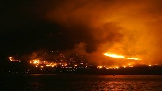 #capetownfire #capefire - Live footage of a massive fire in Cape Town, South Africa