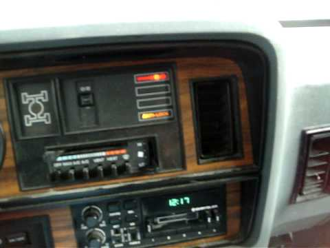 Messing Around In The 1991 Dodge Ramcharger Hitting The
