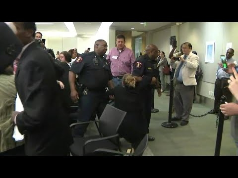 People dragged out of HISD meeting over proposed charter school contract