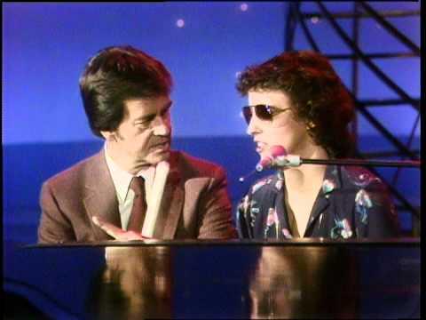 Dick Clark Interview Terri Gibbs - American Bandstand 1981