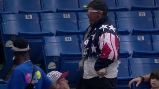 Patriotic fan snags foul, dances like crazy