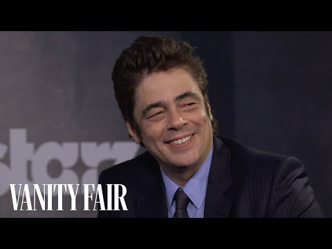 Benicio del toro s fans have a funny way of greeting him toronto