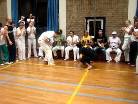 Roda Batuque Capoeira: CM Bozo, Prof Salsicha, Simba