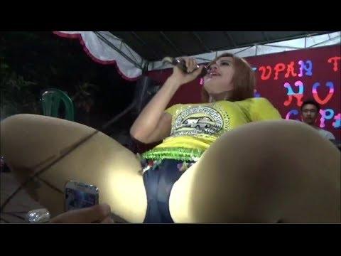 Hmmmmmm!!! Lia Capucino Goyang Ngangkang 2016